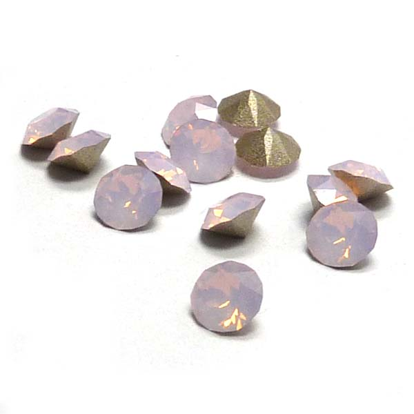 1088 Xirius Chaton SS24 Rose Water Opal ca 5,5 mm 3 st