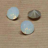 1088 Xirius Chaton SS39 White Opal ca 8 mm