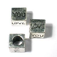 "Kub ""love you"" i tibetsilver 8*8 mm , ormlänkspärla"